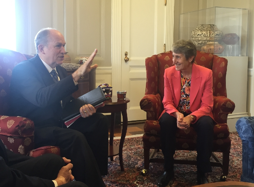Alaska's governor, Bill Walker talks with Department of Interior's Sally Jewell in Washington. Image-Office of the Governor