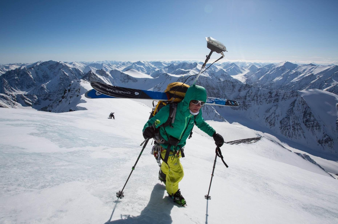 Kit Deslauriers, the only person to climb and ski down the tallest mountains on seven continents, ascends the highest peak in the Brooks Range, Mount Isto, in 2014. Photo by Andy Bardon.