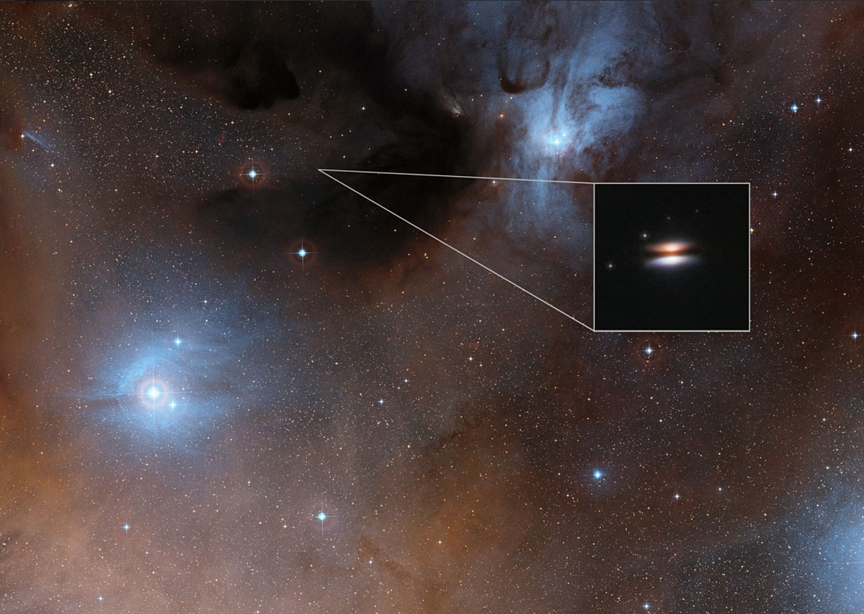 The Flying Saucer protoplanetary disc around 2MASS J16281370-2431391