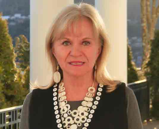 Alaska's First Lady, Donna Walker announced the nomination period for Volunteer of the Year Awards. Image-State of Alaska