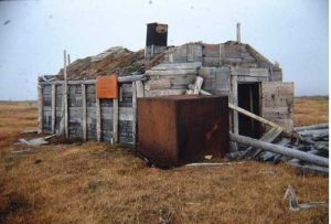 The main building at Ernest Leffingwell's living site on Flaxmans Island in a 1970s photo. Image by Gil Mull.