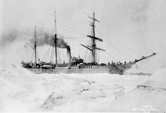 Cutter Bear in ice. Image-USCG
