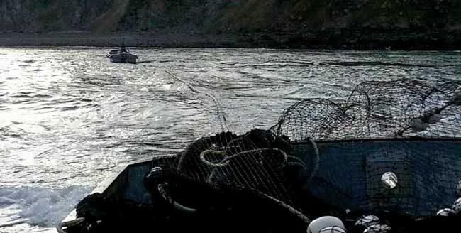 F/V Jericho slapping out their seine on Kodiak Island. Image-J. Alpiak