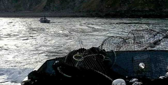 F/V Jericho slapping out their seine on Kodiak Island. Image-J. Alpiak