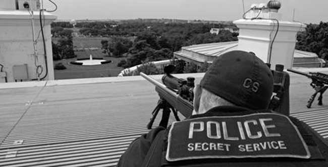 Secret Service sniper atop White House roof. Image-Secret Service