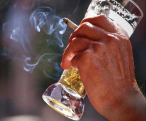 Adolescent smokers may tend to drink more as adults a new study says. Image-TAU
