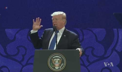 Trump speaking while on Asia trip. Image-VOA