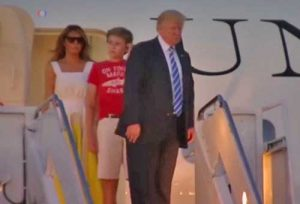 Trump arriving in Washington D.C. Image-VOA