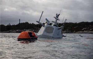 Most of the frigate is now under water. Photo: Jakob Østheim / Norwegian Defense