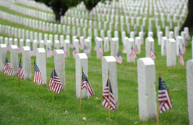 Arlington National Cemetery. (U.S. Coast Guard/Petty Officer 2nd Class Patrick Kelley)