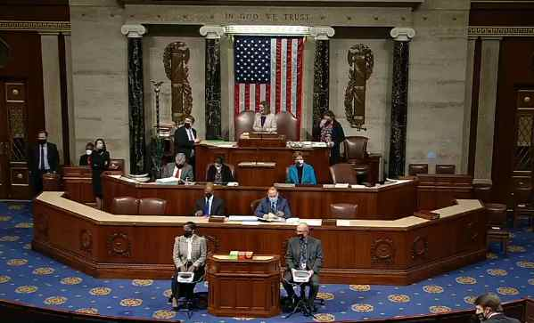 14 Hours After Fascist Mob Stormed Capitol in Coup Attempt, 'Democracy Prevails' as Congress Certifies Biden Win
