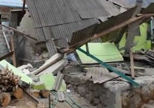 Rubble on Lombok Island following huge quake. Image-Reuters video screengrab
